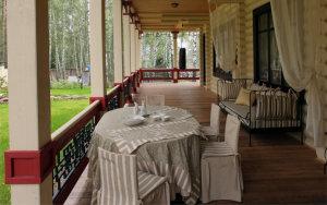 Dom_s_bolchoy_terrasoy_dekor_terrasy